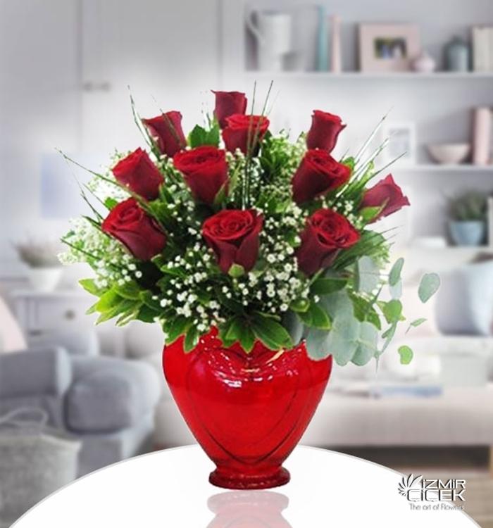 Kırmızı Güllerin Aşkı