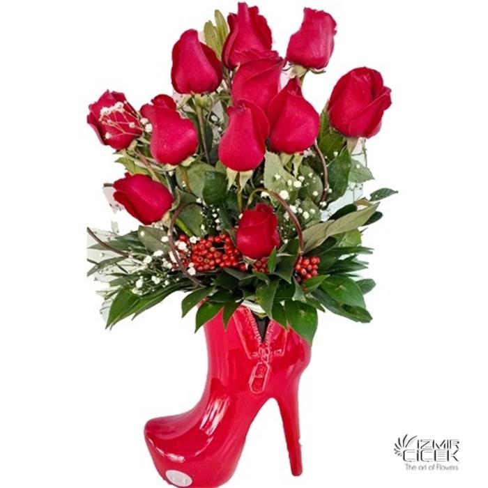 seramik ayakkabıda güller